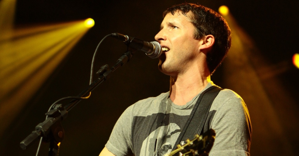 James Blunt durante show no Teatro do Sesi, em Porto Alegre (16/01/2012)
