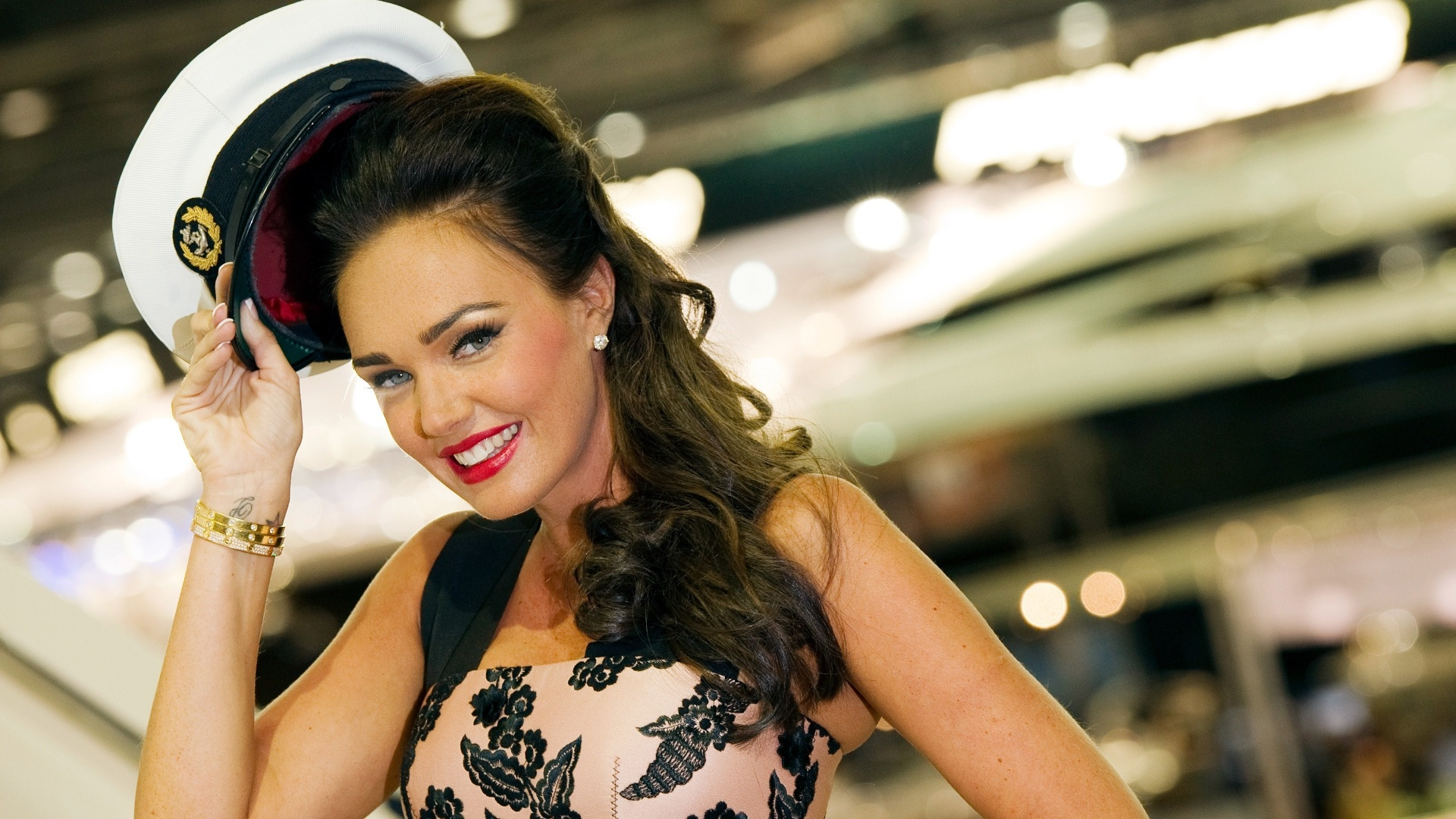 Tamara Ecclestone posa na abertura oficial do The London Boat Show, em Londres(06/01/12)