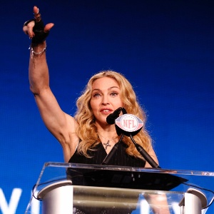Madonna em entrevista sobre seu show na final do Super Bowl, nos Estados Unidos (02/02/12)