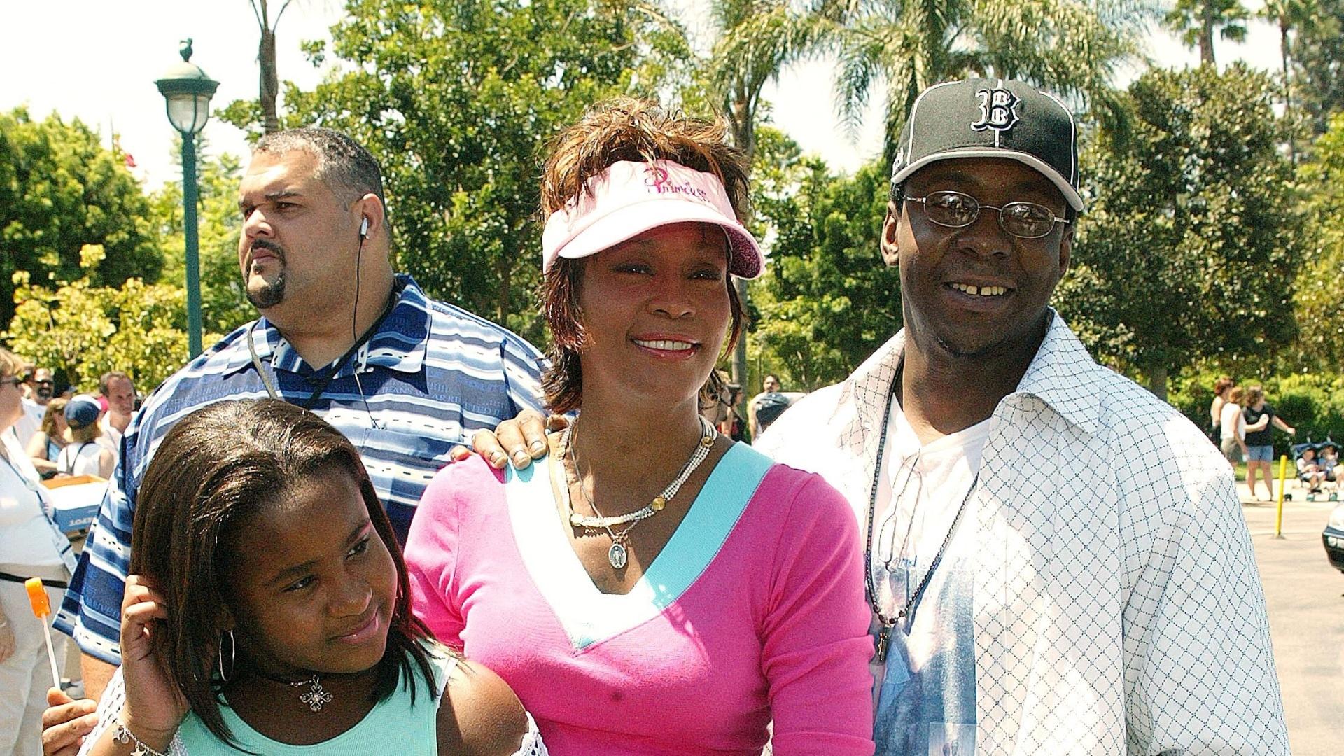 Whitney Houston, Bobbi Brown ainda na época de casados, com a filha Bobbi Kristina (7/8/2004)