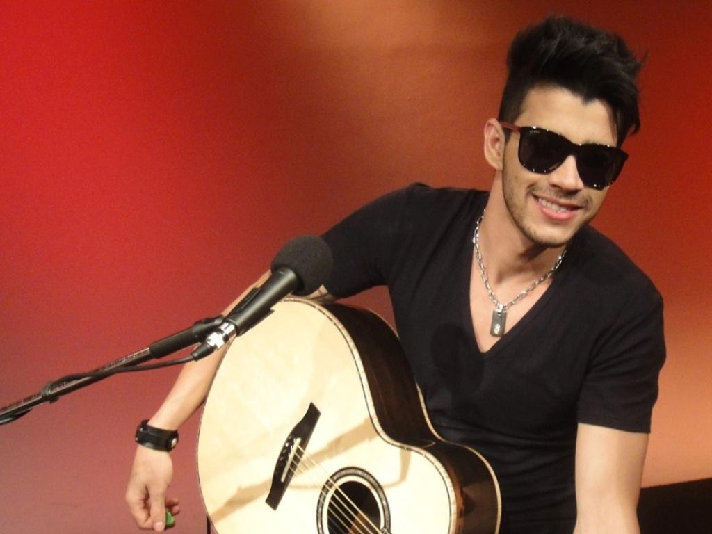 O cantor Gusttavo Lima participando do programa Universo Sertanejo, na TV UOL