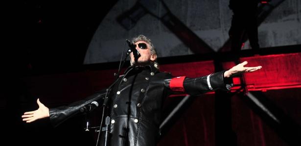 Roger Waters se apresenta em Santiago no primeiro de 15 shows que fará no Chile, na Argentina e no Brasil (2/3/12)