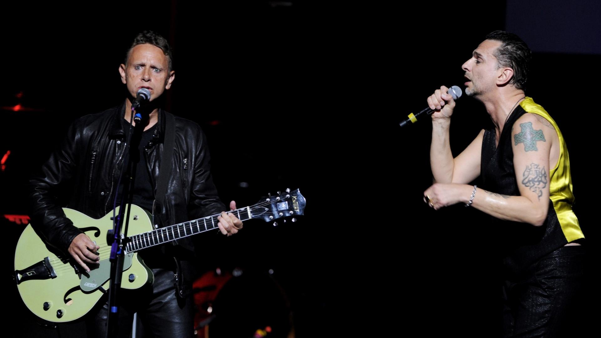 Depeche Mode se apresenta no MusiCares MAP Fund Benefit em Los Angeles (6/5/11)