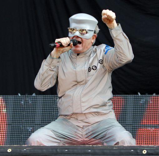 Mark Mothersbaugh durante o show de sua banda Devo no Lollapalooza (06/08/2010)