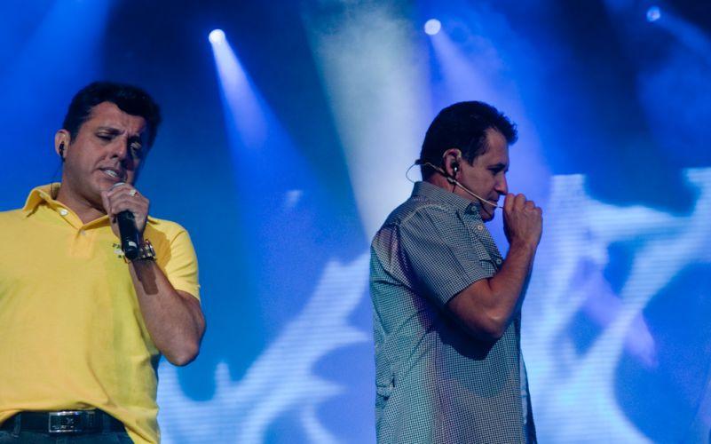 A dupla Bruno & Marrone faz sua primeira apresentação do ano, no Citibank Hall, Rio de Janeiro (28/01/2011). No repertório,