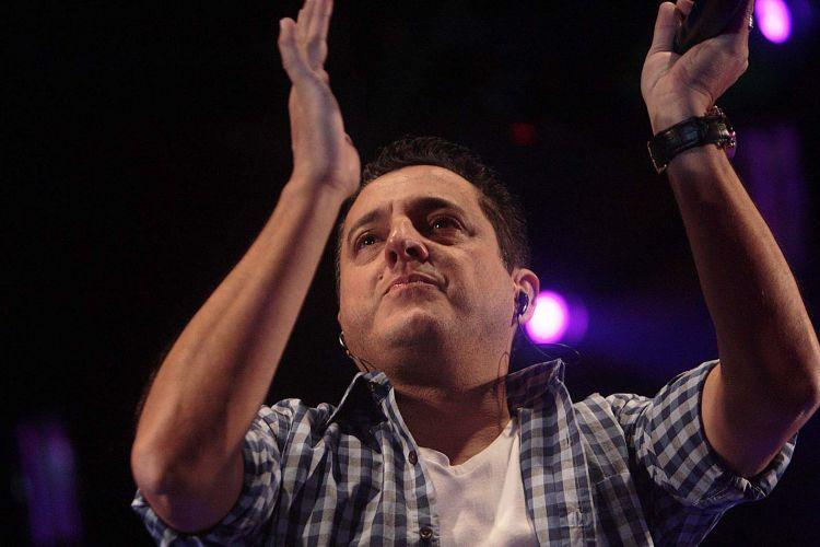 Após o acidente que Marrone sofreu de helicóptero, na segunda-feira (2), Bruno manteve a agenda de shows sem o parceiro. Nesta quinta-feira (5), o cantor se apresentou no Villa Country, em São Paulo (05/05/2011)