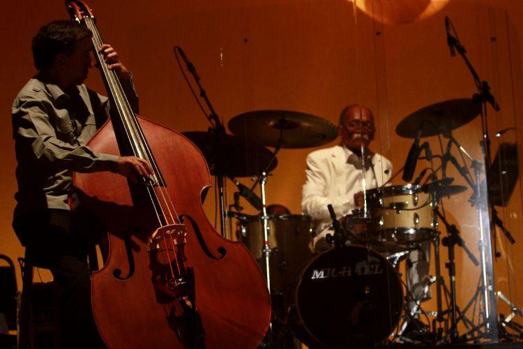 A banda de Chico Buarque faz passagem de som no HSBC Brasil um dia antes do primeiro show do cantor e compositor em São Paulo na turnê de