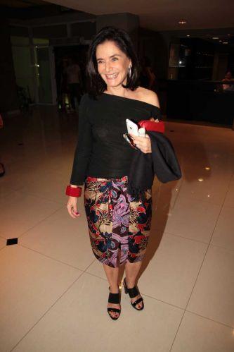 A consultora de moda Glória Kalil no show de Chico Buarque da turnê