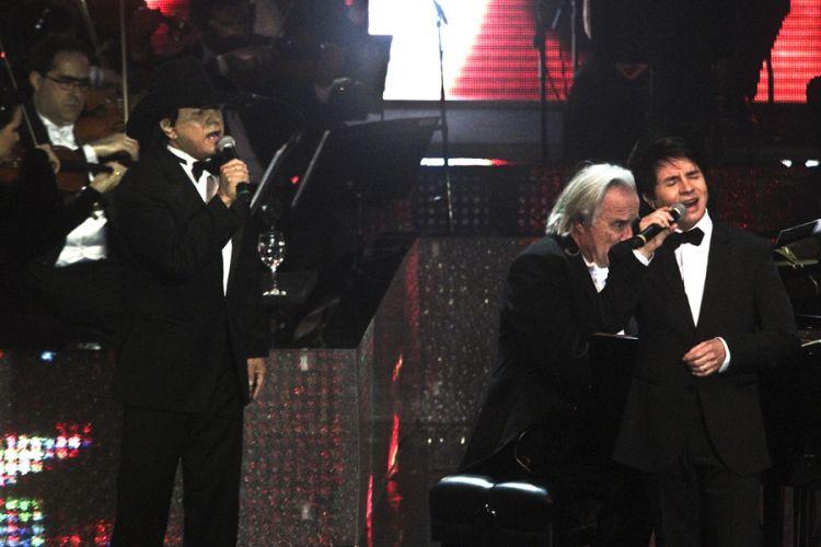Dupla Chitãozinho e Xororó gravam DVD em comemoração aos 40 anos de carreira, na Sala São Paulo, em São Paulo (1/8/11)