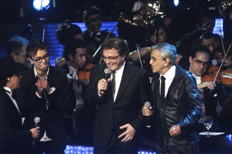 Chitãozinho e Xororó e convidados gravam DVD em comemoração aos 40 anos de carreira da dupla sertaneja, na Sala São Paulo, em São Paulo (1/8/11)