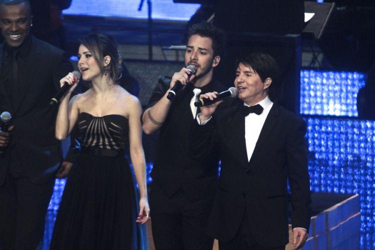 Chitãozinho e Xororó gravam DVD em comemoração aos 40 anos de carreira com a participação de Sandy e Júnior, na Sala São Paulo, em São Paulo (1/8/11)