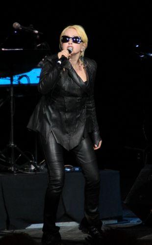 Norte-americana Cyndi Lauper se apresenta no Via Funchal, em São Paulo (22/02/2011)