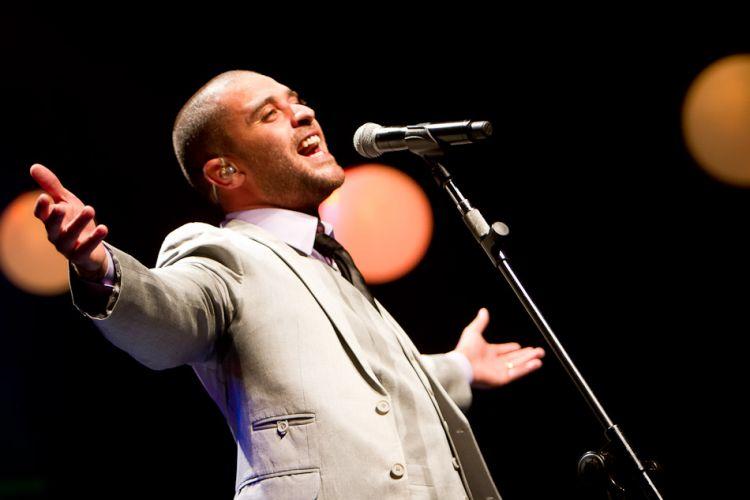 Diogo Nogueira fez show em homenagem ao pai João Nogueira na noite de sexta, no Auditório Ibirapuera, em São Paulo. Apresentação faz parte da Virada Cultural São Paulo - 2012. (4/5/2012)