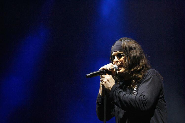 Ozzy Osbourne canta durante show em Sydney, na Austrália (18/03/2008)