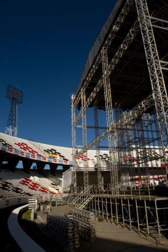 Visrta lateral do palco montado para o show de Paul McCartney no Recife. É a primeira vez que o músico passa pela cidade (19/4/12)