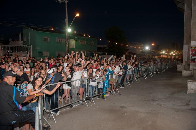 Os portões do estádio do Arruda, no Recife, foram abertos neste sábado (21) às 18h15 para os fãs de Paul McCartney