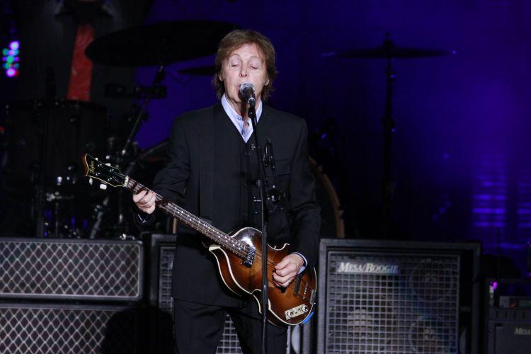 Paul McCartney faz sua segunda apresentação em Recife (22/4/2012)
