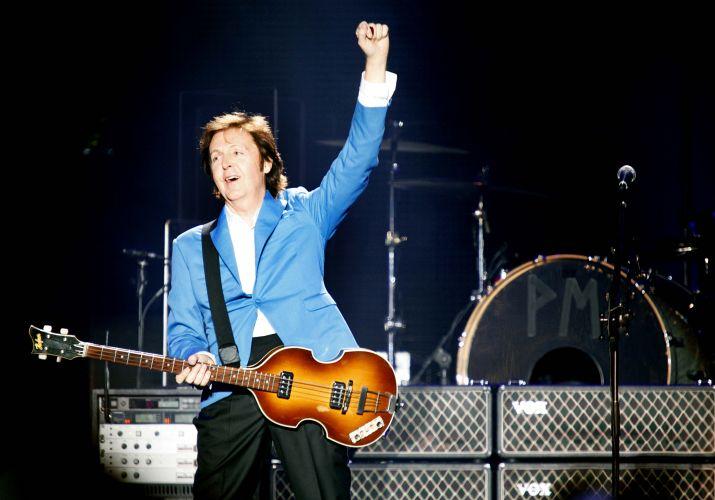 Paul McCartney faz o primeiro de seus dois shows no estádio do Morumbi, em São Paulo, para mostrar a turnê