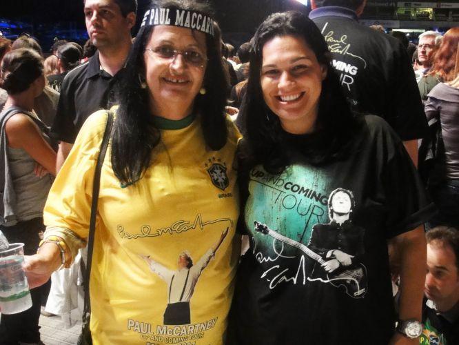 Nancy Rangel, 60, customizou uma camisa da seleção brasileira com a foto de Paul McCartney para o primeiro show no Rio.