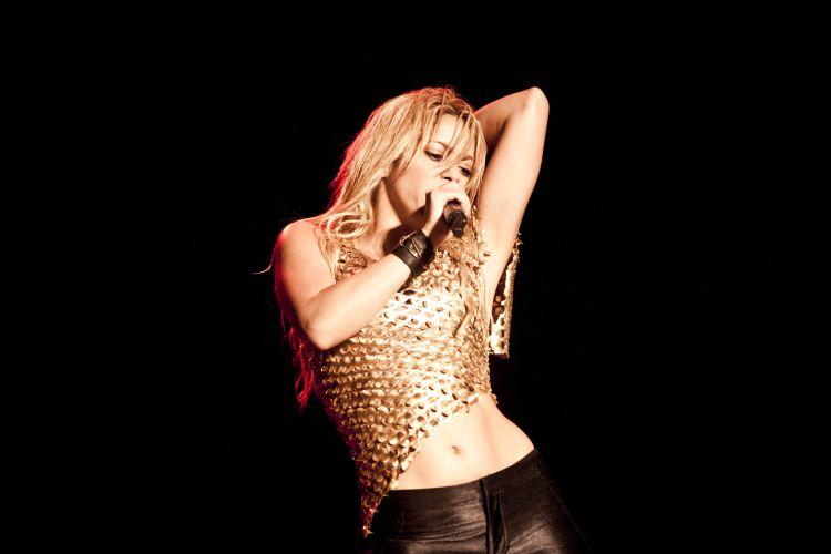 Shakira apresenta sucessos antigos e músicas de seu mais recente álbum no estádio do Morumbi, que abriga o Pop Music Festival de São Paulo (19/03/2011)