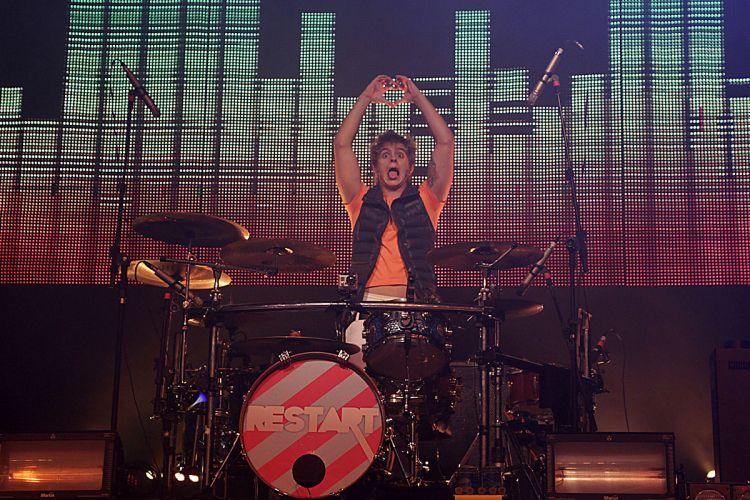 Thomas, baterista do Restart, em show da banda no evento Happy Rock Sunday, no HSBC Brasil, em São Paulo (21/08/2011)