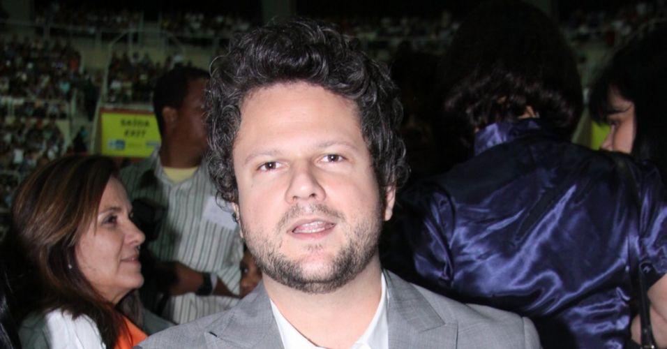 O ator Selton Mello vai ao show do cantor Roberto Carlos, no Rio de Janeiro (19/4/12)