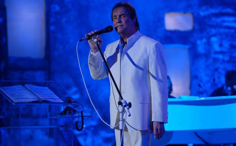 O cantor Roberto Carlos foi aclamado durante show em Jerusalém por milhares de fãs brasileiros e latino-americanos que cantaram e dançaram suas canções mais famosas e puderam escutá-lo cantar uma música em hebraico (7/9/11)