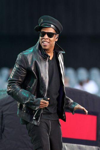 Jay-Z sobre ao Palco Mundo no quinto dia do Rock in Rio 2011, em sua primeira apresentação no Brasil. O rapper lança ainda este ano um disco em parceria com Kanye West, intitulado