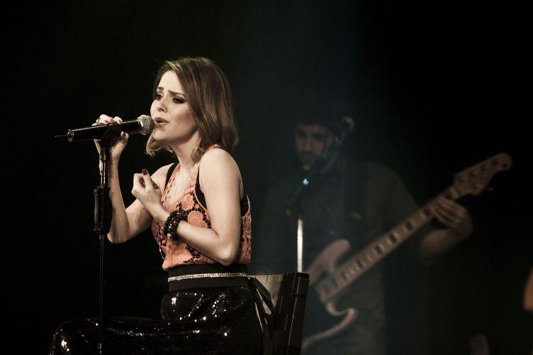 Oito meses depois de iniciar sua carreira solo, Sandy grava o DVD do show