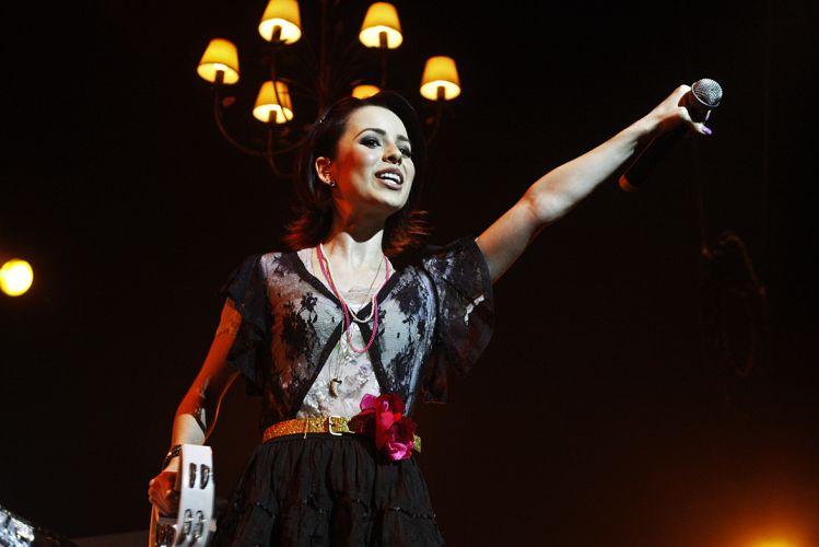 Sandy durante show da turnê do disco