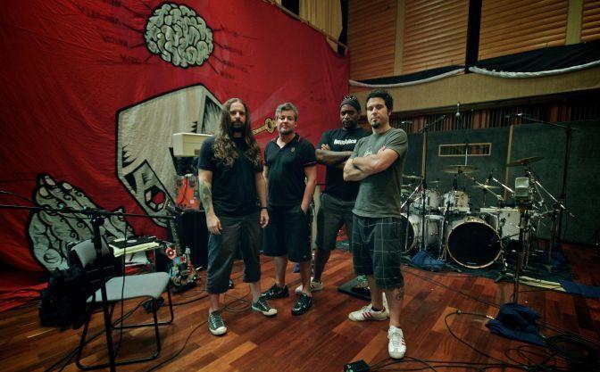 A banda nos Estúdios Trama, em São Paulo,onde foi gravado 12º álbum