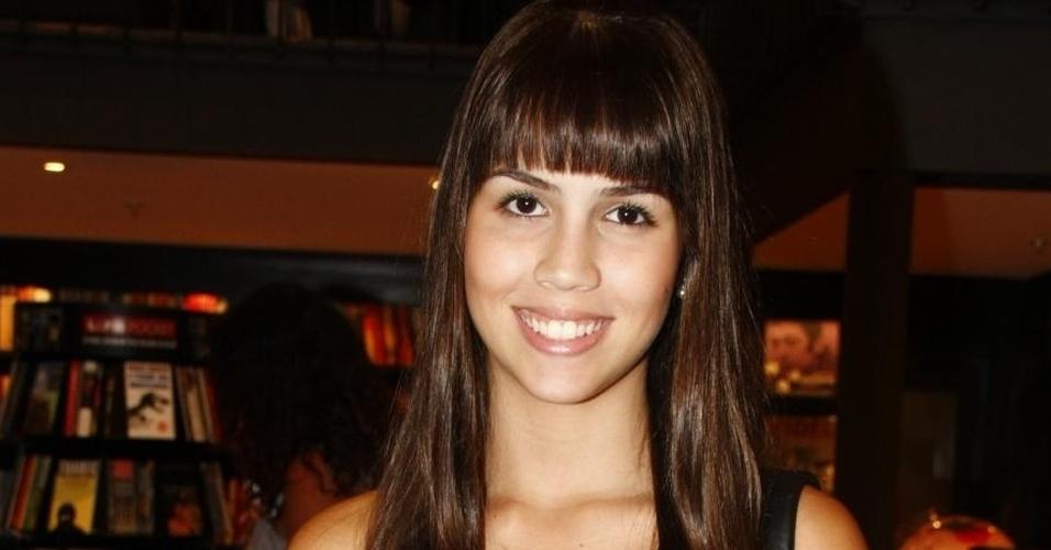 Pérola Faria vai cursar faculdade de moda