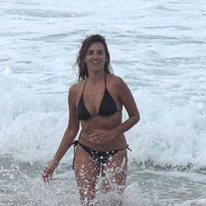 Penélope Cruz na praia