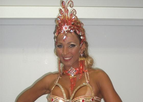 Valeska Popozuda é rainha de bateria da Porto da Pedra