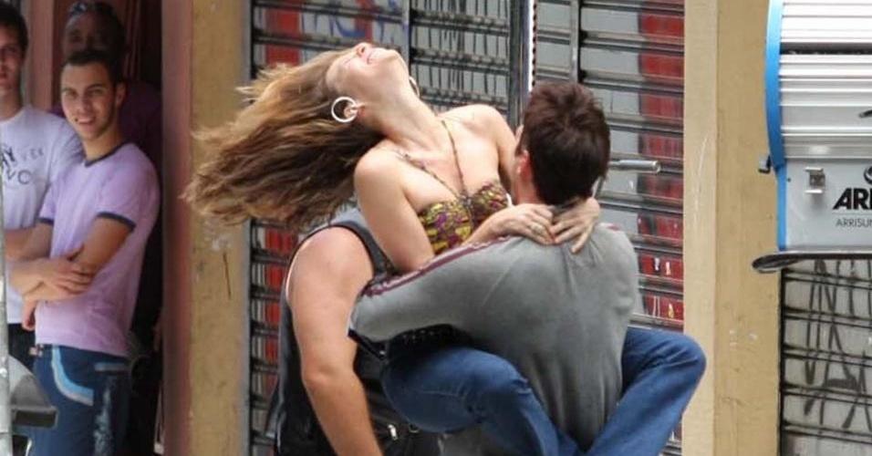 Reynaldo Gianecchini e Mariana Ximenes gravam cenas da novela