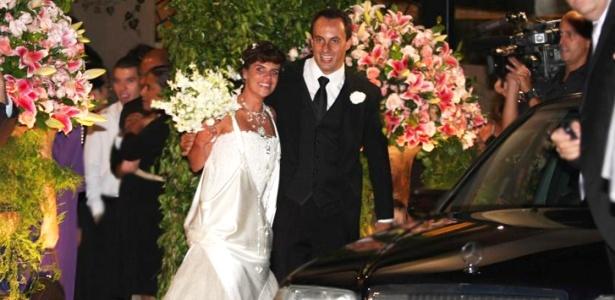 Mariana Maffei e Paschoal Feola ao fim de seu casamento em São Paulo (26/02/2010)