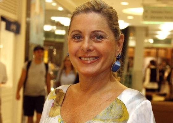 Atriz Vera Fischer na inauguração da loja Chanel, no Shopping Leblon, no Rio de Janeiro (3/4/10)