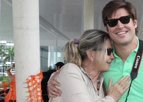 Dado Dolabella e Pepita Rodrigues na maternidade Perinatal, no Rio de Janeiro, após o nascimento de Valentim (10/12/10)