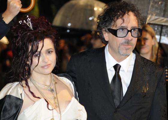 A atriz Helena Bonham Carter e o diretor Tim Burton no lançamento do filme