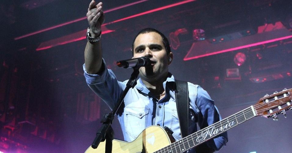 Luciano durante show no navio Costa Concordia (1/3/10)