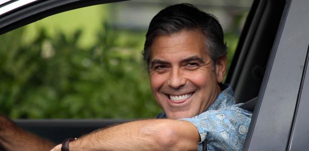 "O ator George Clooney grava cenas de ""The Descendants"" no Havaí (12/3/2010)"