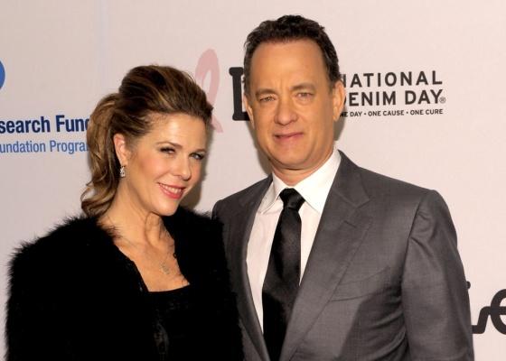 Tom Hanks e a esposa Rita Wilson durante evento beneficente na Califórnia (27/03/2010)