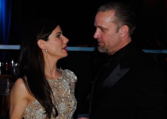 A atriz Sandra Bullock e o agora ex-marido Jesse James na festa pós-Oscar no Kodak Theatre, em Hollywood (7/3/2010)