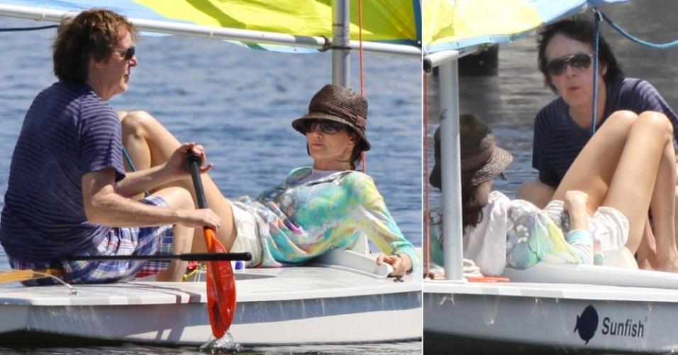 Paul McCartney passeia de barco com a noiva Nancy Shevell em Miami (03/04/2010)