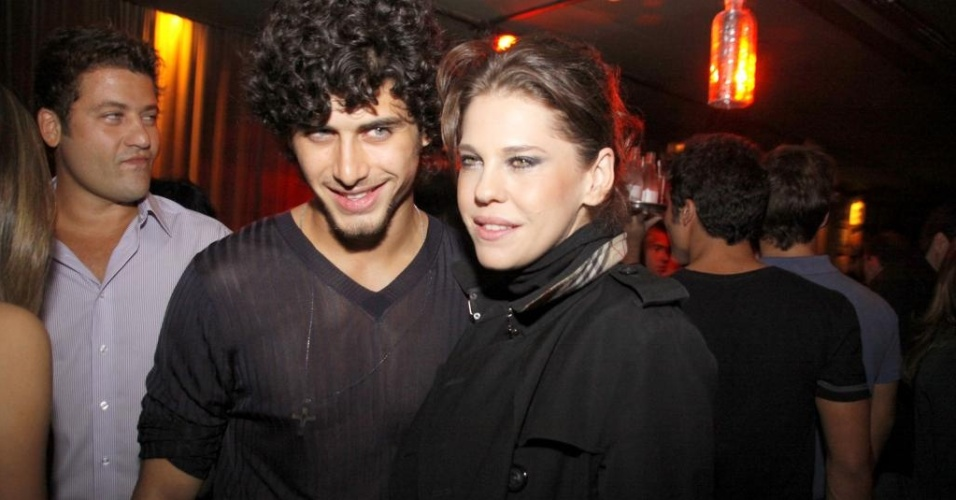 Jesus Luz e Bárbara Paz durante festa em hotel de Ipanema (08/04/2010_