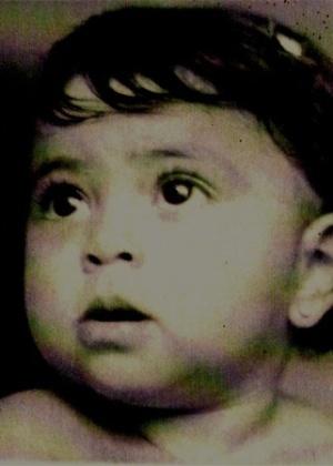 A atriz Juliana Paes publica foto no Twitter de quando era bebê (19/4/2010)