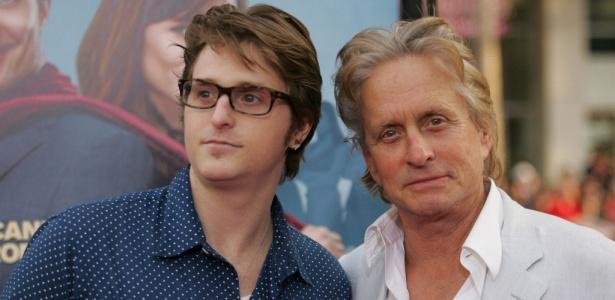 O ator Michael Douglas (dir.) e o filho Cameron Douglas, que saiu recentemente da prisão - Brainpix