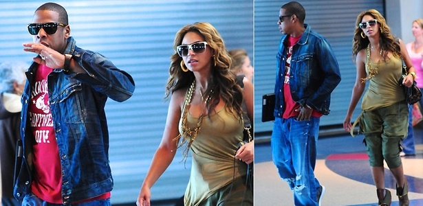 O rapper Jay-Z e a cantora Beyoncé no aeroporto de Los Angeles (19/4/2010)