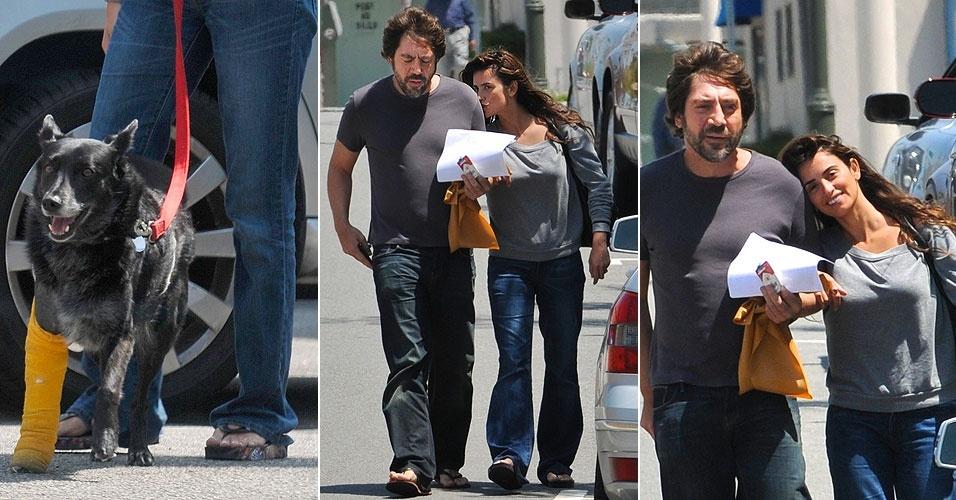 Penélope Cruz deixa seu cão que está com uma das patinhas machucada no veterinário e sai para passear com o namorado, o ator Javier Bardem, em Los Angeles (24/4/10)
