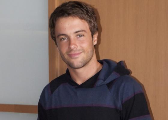 Kayky Brito é um esportista na novela